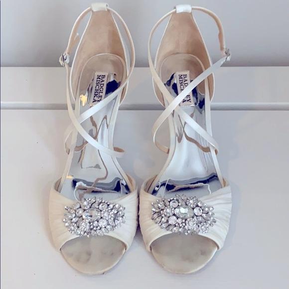 Badgley Mischka Shoes Badgley Mischka White Wedding Wedges Size 1 Poshmark